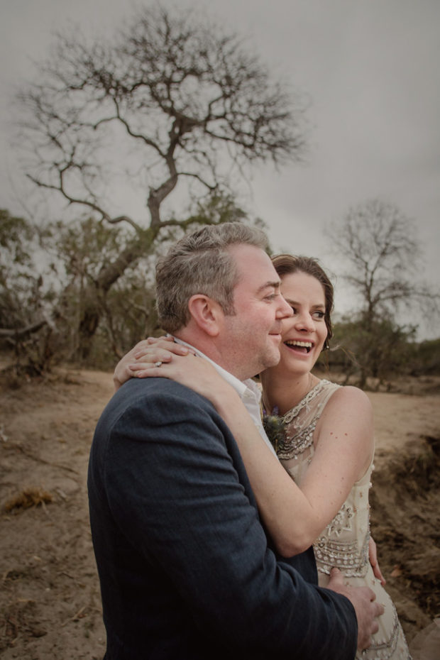 happy bride and groom, Ulusaba bride and groom, bushveld bridal couple, african wedding