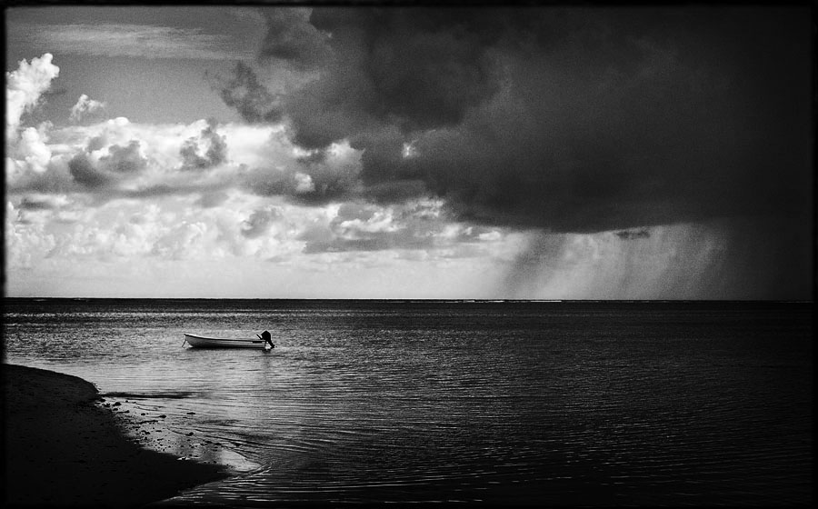 Storm coming over Mauritius beach wedding