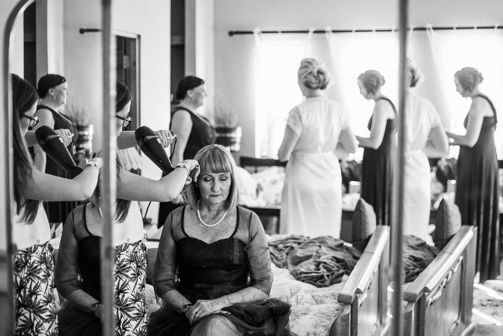 bridal room mirror, getting ready for wedding, nutcracker wedding venue, Parys weddings
