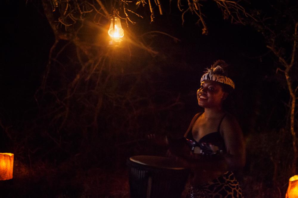 Traditional african dancers and drums at Thornybush