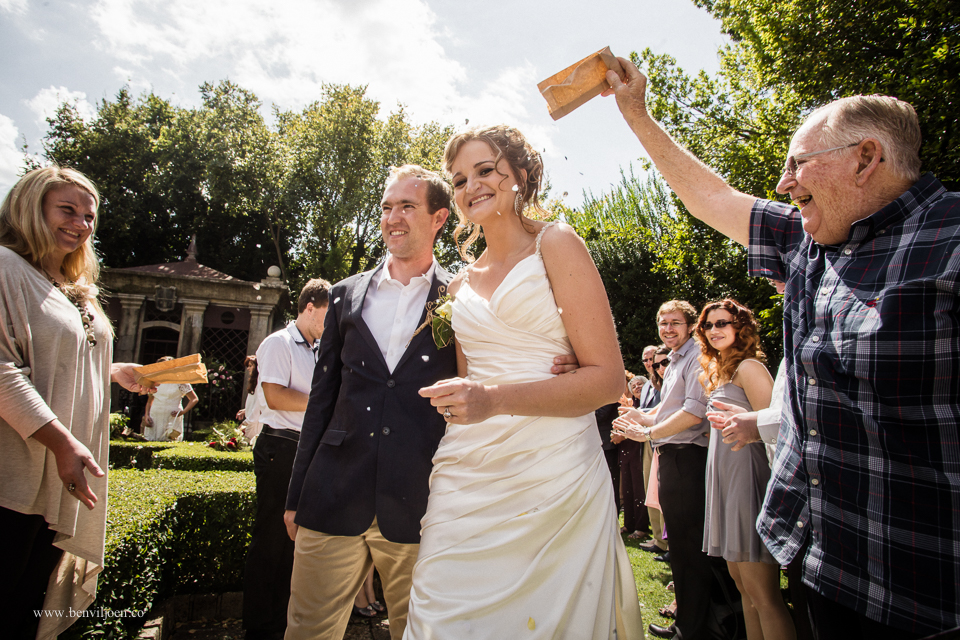 dried seeds and flowers as confetti at this wedding in Parys