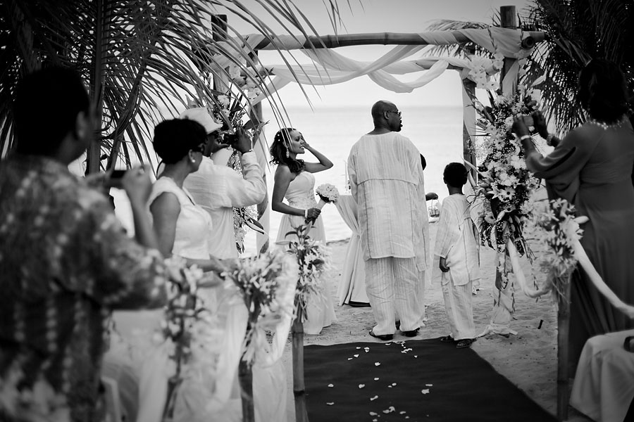 wedding ceremony on the beach in Mauritius